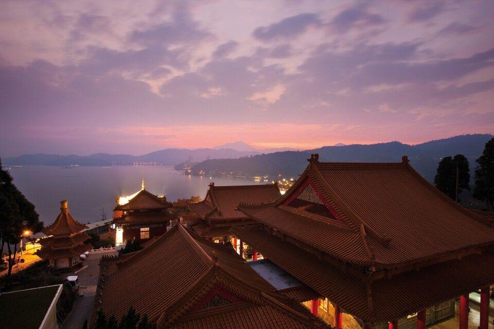 Wu-Tempel am Sonne-Mond-See
