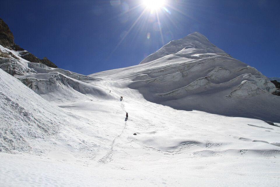 Aufstieg über den Gletscher.