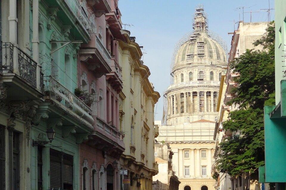 Das berühmte Capitolio in Havanna, Kuba