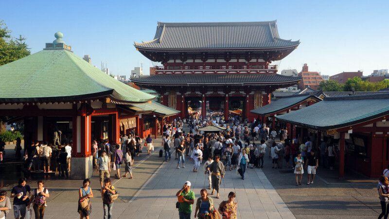 Asakusa Schrein in Tokio © Diamir