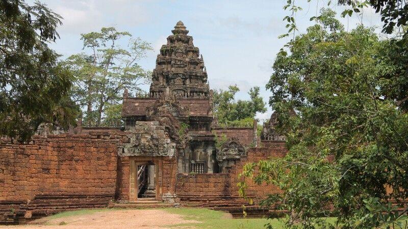 Ansicht aus der Ferne auf Banteay Srei © Diamir