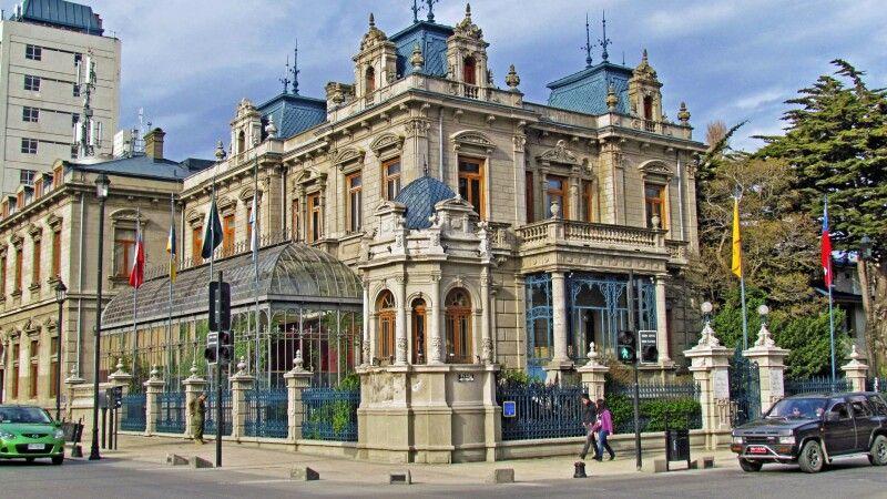 Palacio Sara Braun in Punta Arenas © Diamir