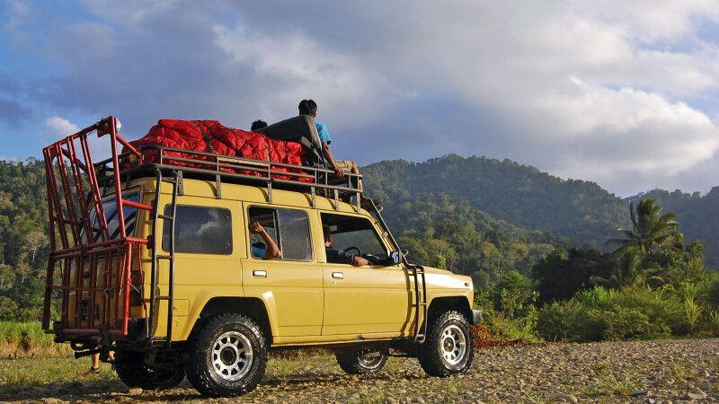 Mit dem Jeep durch Westjavas Wälder © Diamir