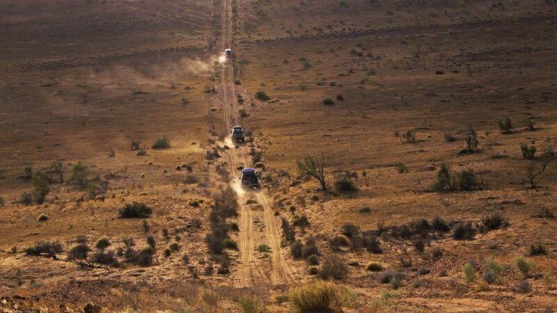 Jeeps auf Piste © Diamir