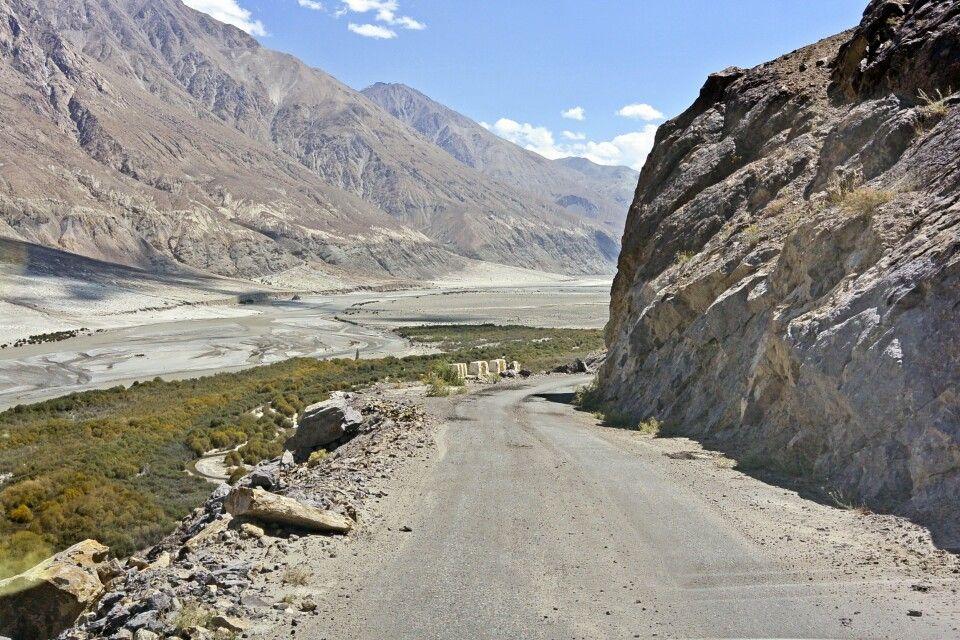 Nubra Valley, Strasse am Shyok zum Wari La