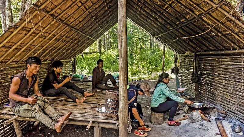 Unterstand mit Kochstelle in Mondolkiri © Diamir