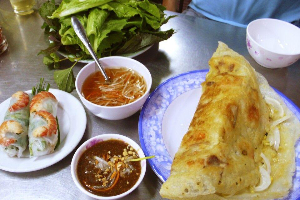 Große frische Banh Xeo – herzhafte Crepes