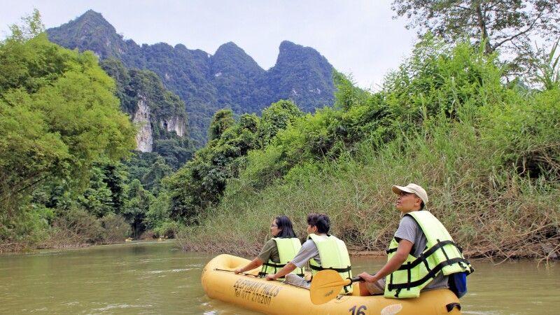 Unterwegs mit dem Kanu im Khao Sok NP © Diamir