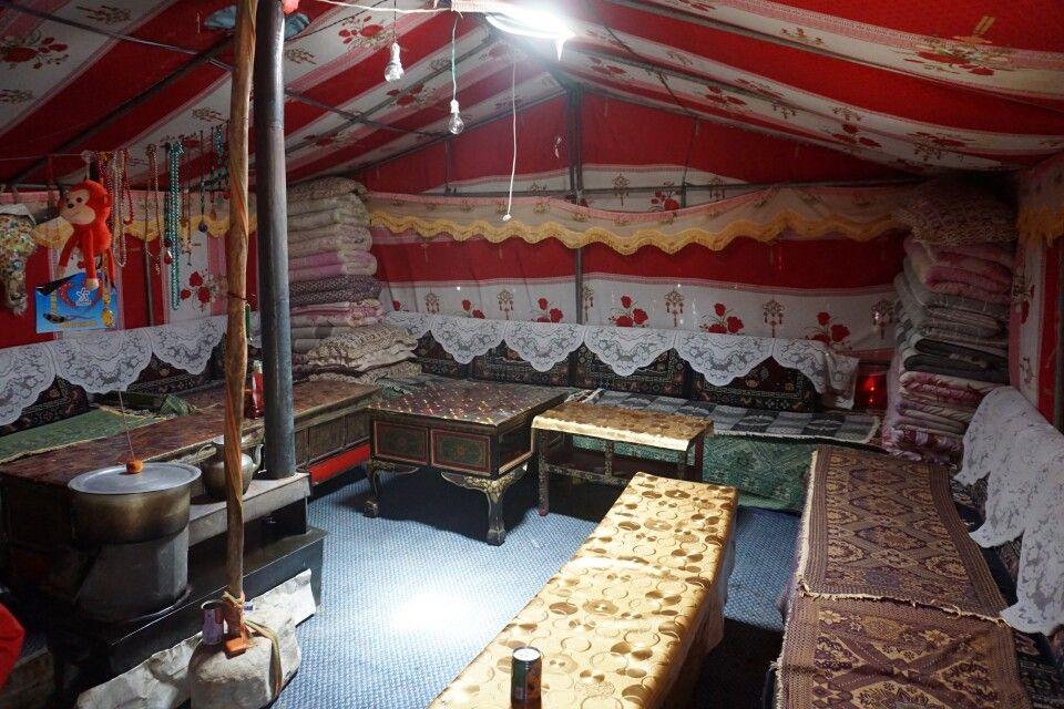Zeltlager mit Übernachtungsmöglichkeiten am Mount-Everest-Basislager