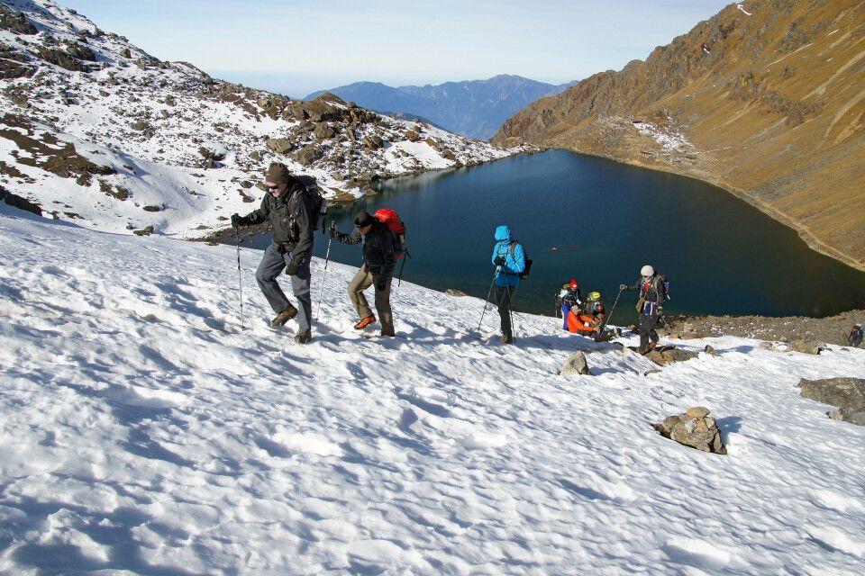 Aufstieg zum Laurebina-Pass (4610m)