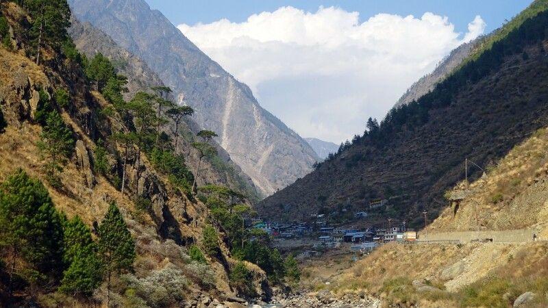 Timure, Grenzübergang von Nepal nach Tibet.  © Diamir