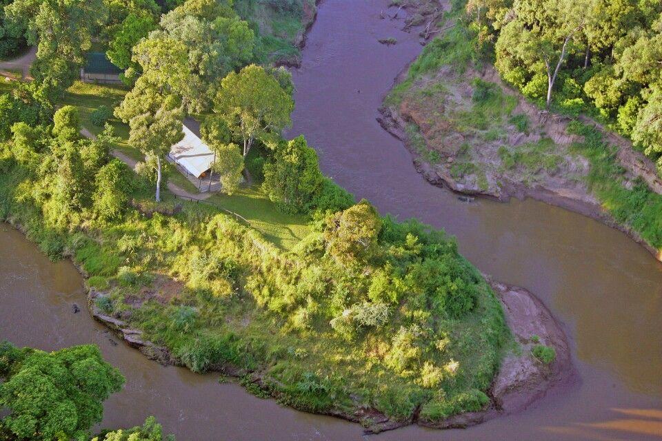 Das Governors Camp und der Mara River von oben