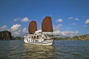 Dschunke von La Fairy Sails in der Halongbucht
