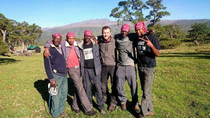 Uwe mit seinem Team am Mount Kenya © Diamir