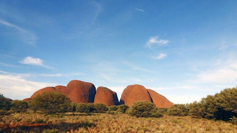 Olgas (Kata Tjuta) beim Uluru (Ayers Rock) © Diamir