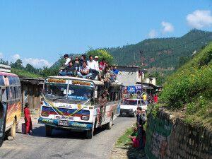 nepalesische Busfahrt