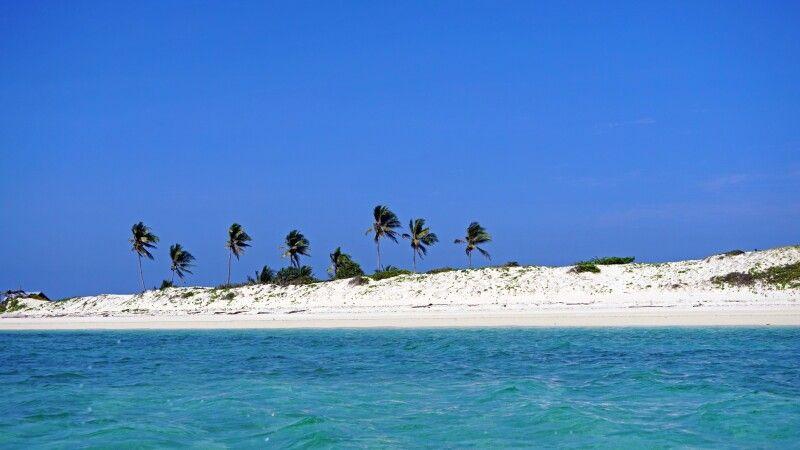 Strand bei Port Moresby © Diamir