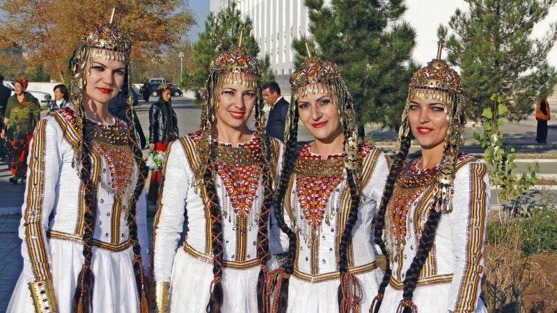 Turkmenische Trachten © Diamir