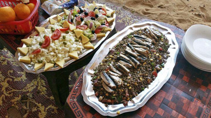 Verköstigung mit lokalen Speisen