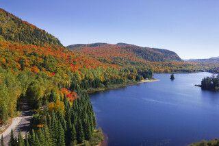 Herbstlandschaft in den Laurentides