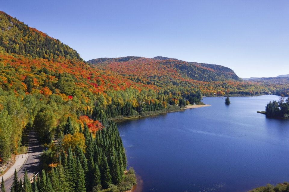 Herbstlandschaft in den Laurentides