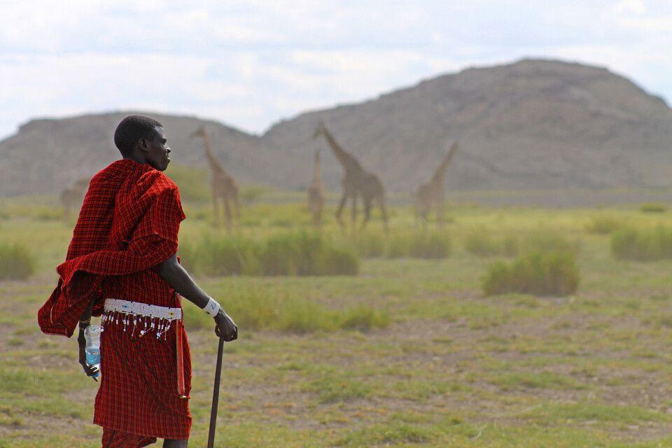 Wanderung mit einem stolzen Massai am Lake Natron