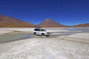 Per Allradfahrzeug durch das bolivianische Hochland
