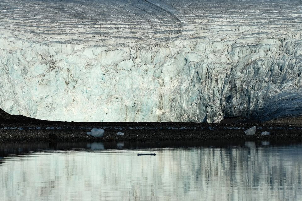 Großes Eis: Gletscherkante des Gaffelbreen, St. Jonsfjord