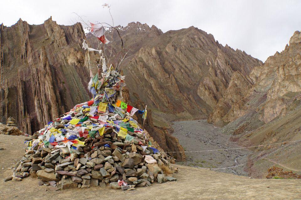 Abstieg vom Basislager Stok-Kangri über Namlung (4025 m) nach Stok