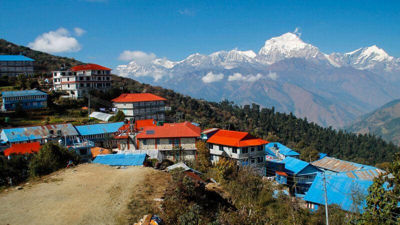 Die Dhaulagiri-Bergkulisse von Ghorepani © Diamir