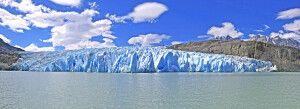 Diese Perspektive vom Perito-Moreno-Gletscher bekommt man am besten während einer Bootsfahrt