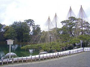 Einer der schönsten Landschaftsgärten Japans - Kenrokuen in Kanazawa