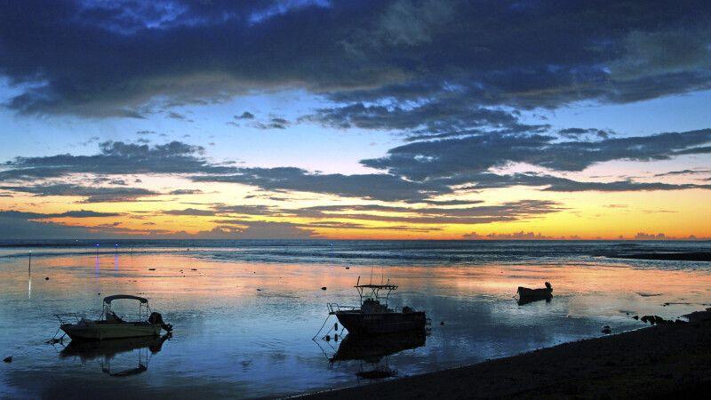 Sonnenuntergang auf der Insel la Reunion © Diamir