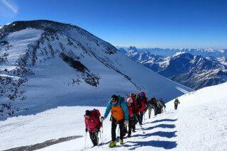 Gipfelaufschwung am Elbrus: Gleich ist es geschafft!