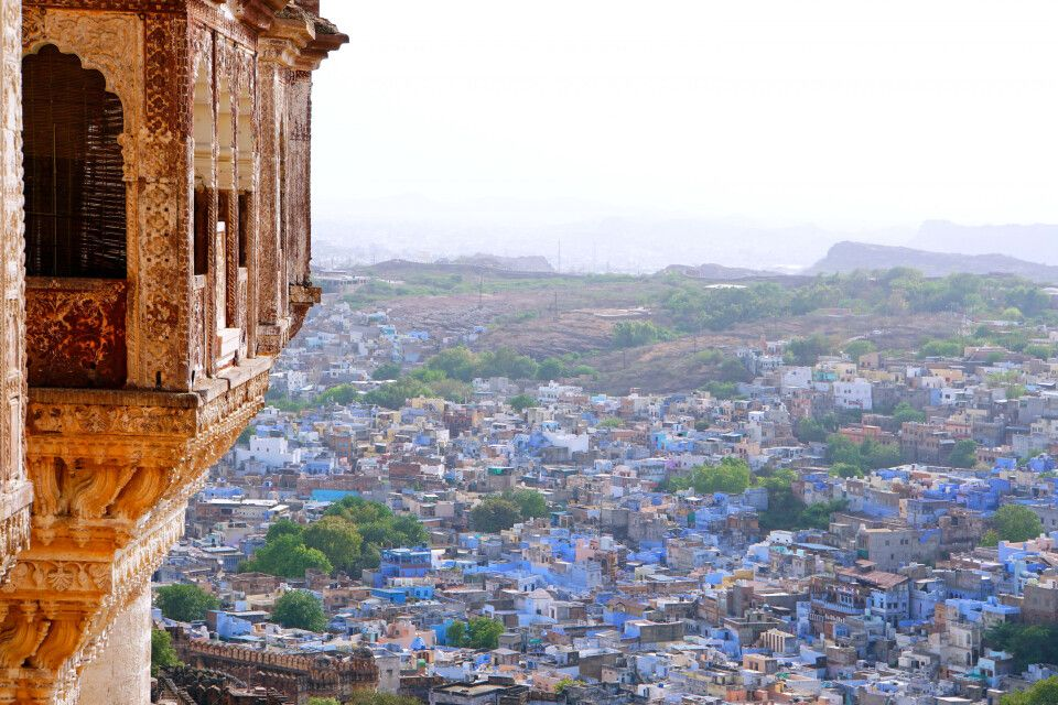 Blick von der Festungsanlage Mehrangarh auf die Blaue Stadt Jodhpur