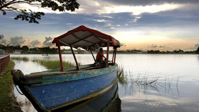 Idylle pur am Peten Itza See © Diamir