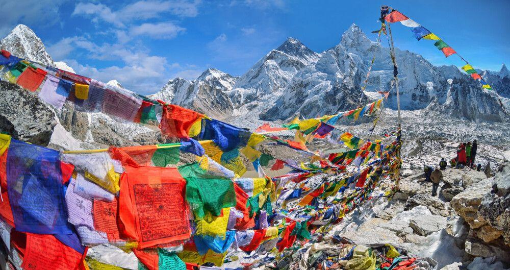 Blick auf Mount Everest und Nuptse