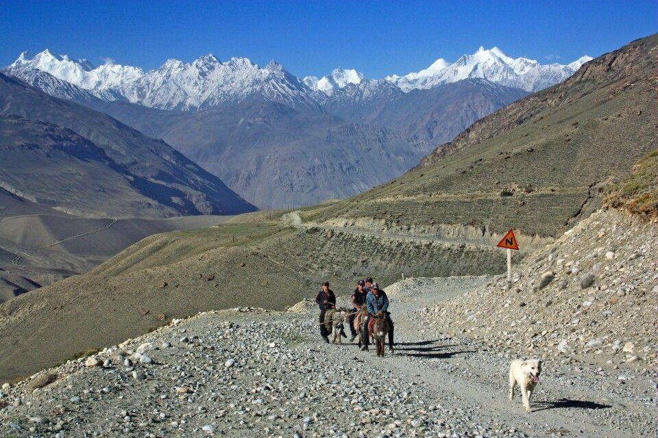 Junge Hirten nahe der Afghanischen Grenze