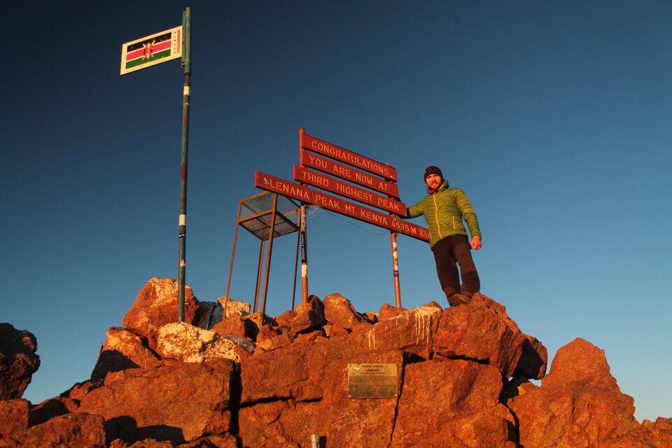 Geschafft! Point Lenana (4985 m) zum Sonnenaufgang