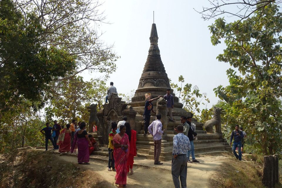 Am hinduistischen Adinat Tempel
